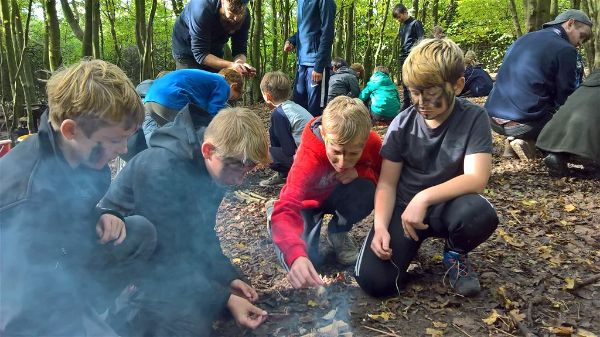 Year 6 teambuilding activities at Rugged Earth