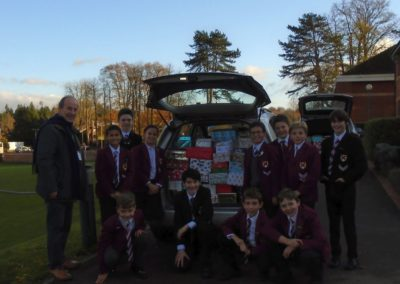 Chaplaincy Team Shoe Box Appeal loading car